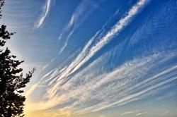Wolkenstreifen am Himmel...
