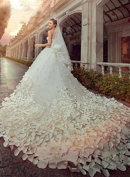 Charming Sweetheart Floor-Length Patterned Flower Beading Cathedral Wedding Dress