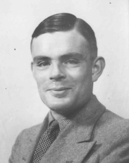 Alan Turing worldwartwo.filminspector.com
