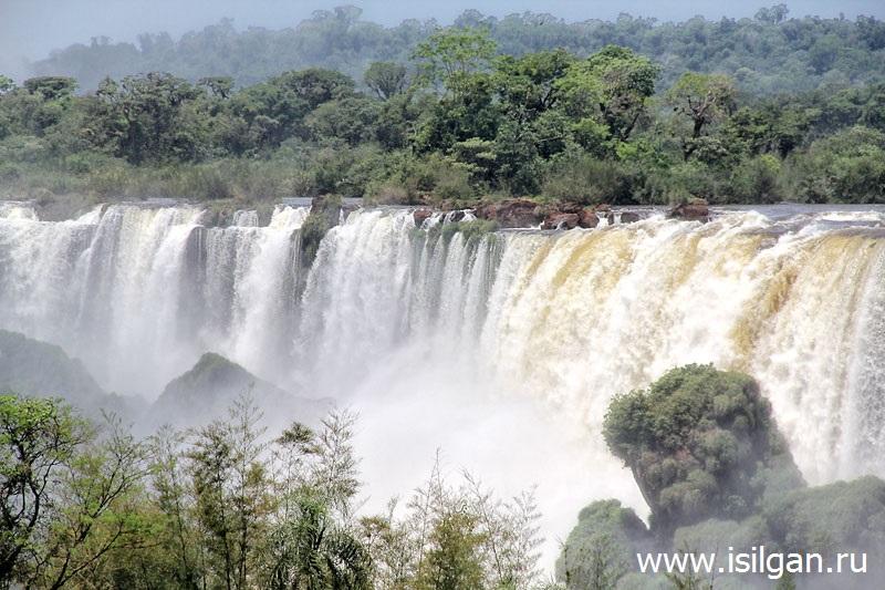Vodopady-Iguasu-Cataratas-del-Iguazu-Glotka-Djavola-Garganta-del-Diablo-Argentina