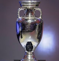 Resultado de imagem para Eurocopa trofeu