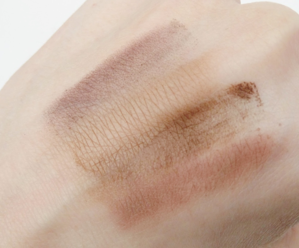 Makeup Revolution I ♡ Makeup Naked Underneath Palette Swatch