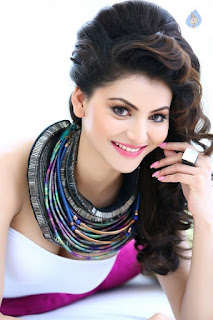 Heart Touching Smile Of Urvashi Rautela