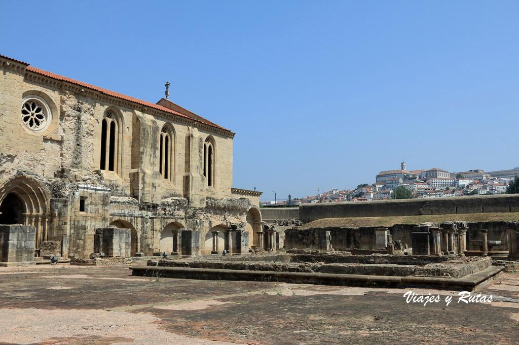 Claustro del Monasterio de Santa Clara-a-Velha, Coimbra