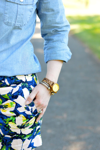 chambray-top-shorts-outfit
