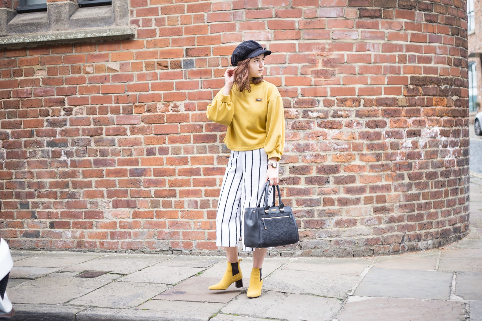 yellow outfit streetstyle
