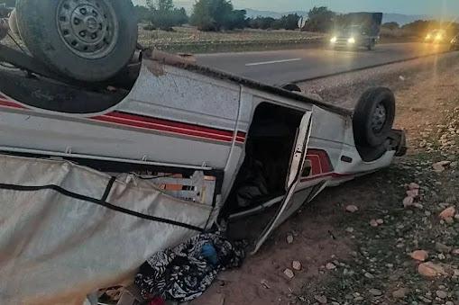 أخبار المغرب: حادثة سير خطيرة قتيلة ومعطوبون في انقلاب سيارة للعمال بطاطا