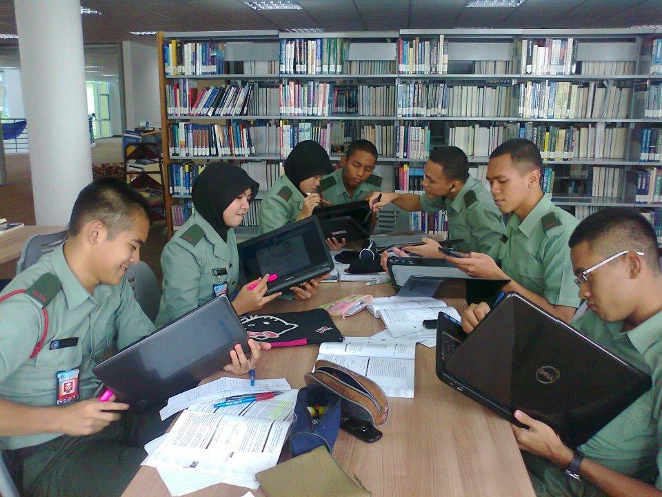 Hasil carian imej untuk Universiti Pertahanan Nasional Malaysia Library