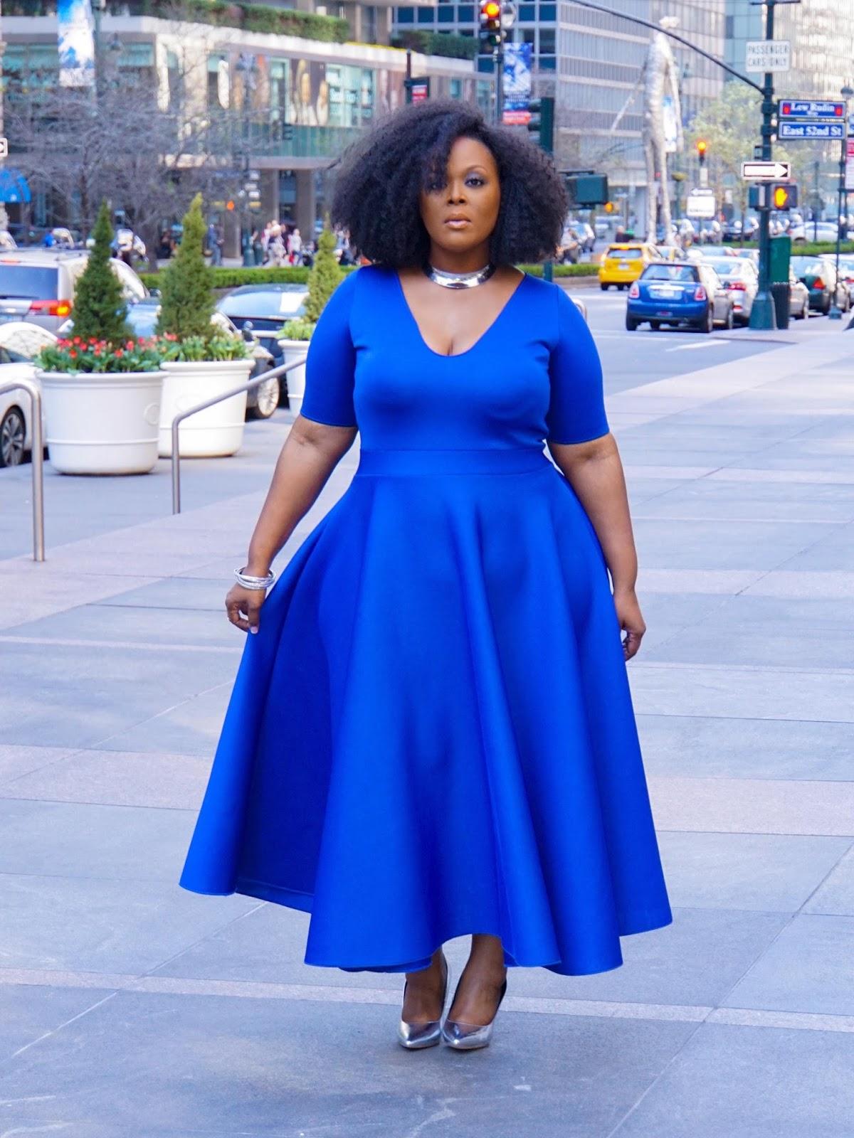 courtney noelle dress, courtney noelle blue dress, khloe dress courtney noelle, plus size cobalt dress