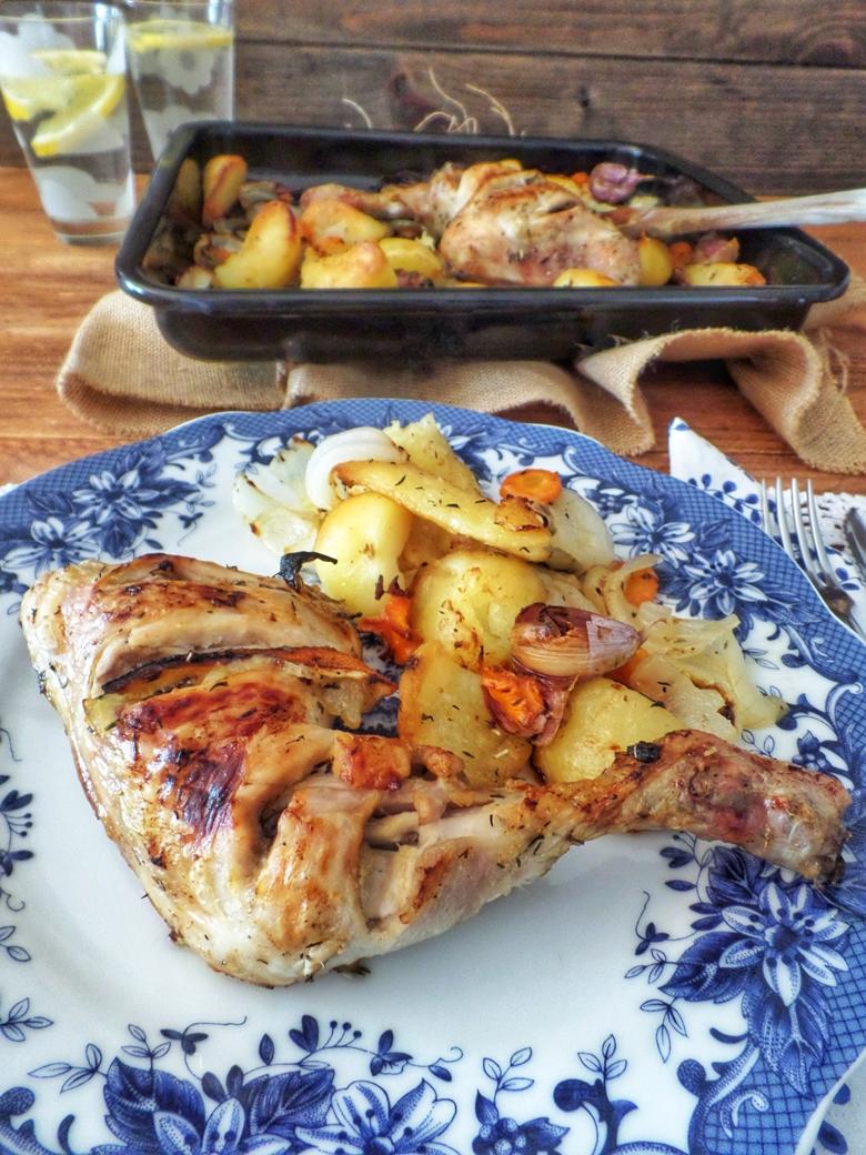 Pollo asado con patatas rústicas
