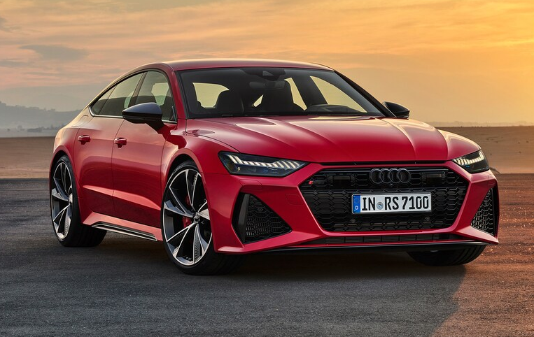 2020 Audi RS 7 front three quarter 3