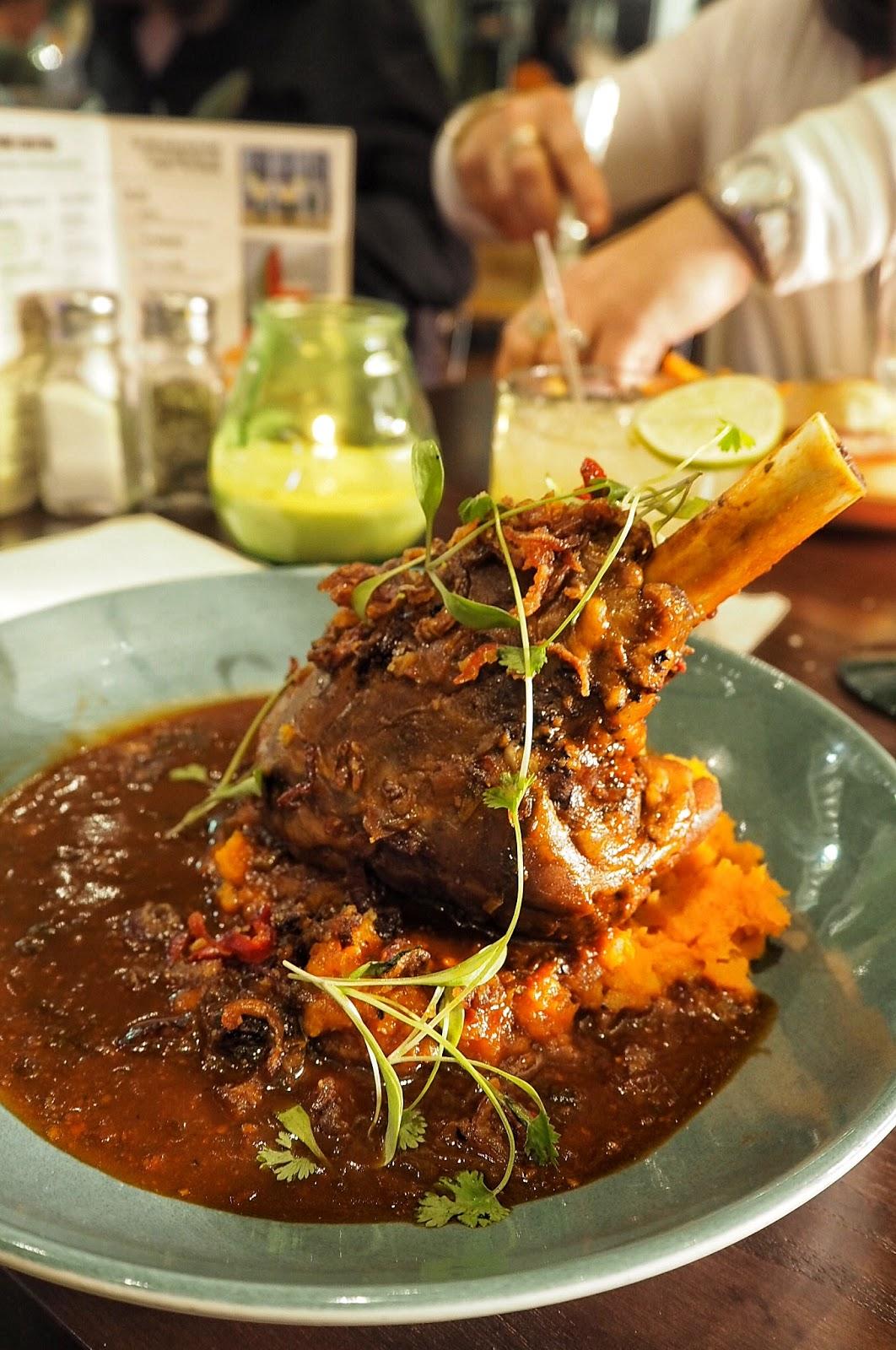 Las Iguanas, Milton Keynes, MK, LoveMK, South American, Food, Restaurant, cocktails, The Hub, www.thelifeofasocialbutterfly.co.uk, Jaz, MK Blogger, Lifestyle Blogger, Foodie, Lamb Shank, Peruvian