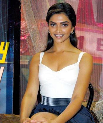 celebrity Gossip: Deepika Padukone Without Makeup Pics