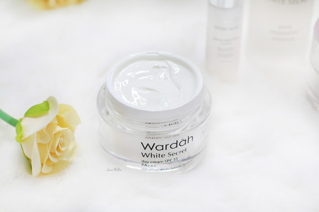review, wardah, wardah skincare, wardah white secret series,produk lokal indonesia, wardah indonesia, review wardah, skicnare halal, halal