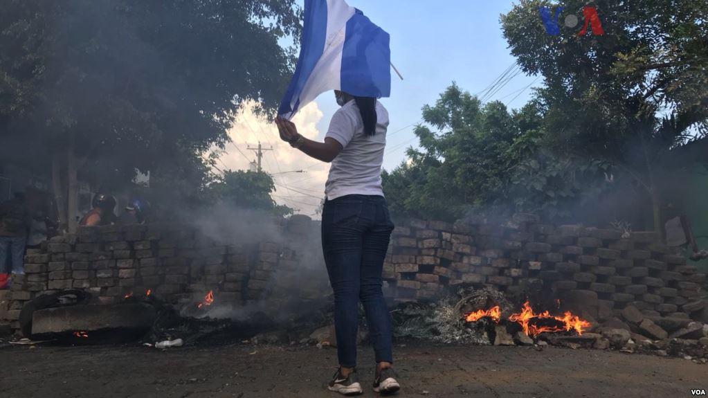 Uno de los lugares donde las barricadas fueron reprimidas con saldo fatal / VOA / CELIA MENDOZA