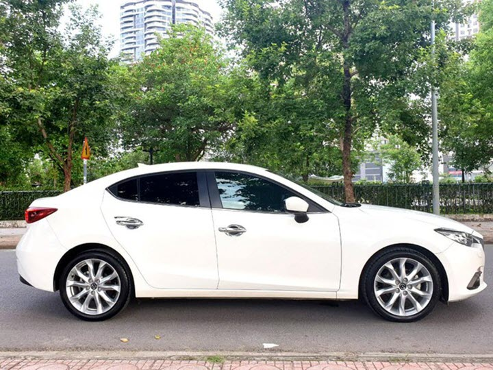 Mazda3 bản cao cấp giá dưới 600 triệu đồng sau 4 năm sử dụng