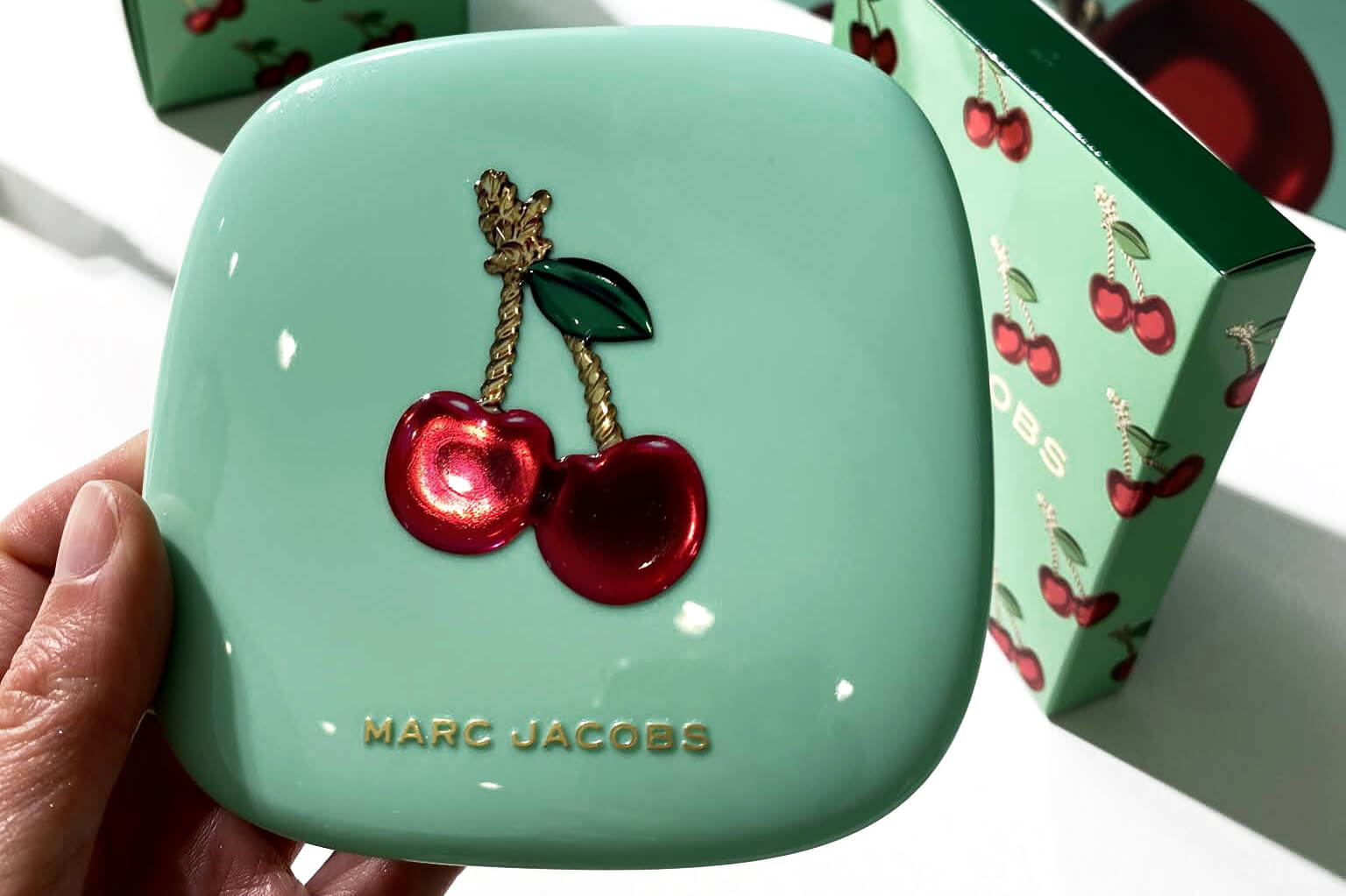 Marc Jacobs Merry Cherry Collection Noel 2020 O Mega Glaze