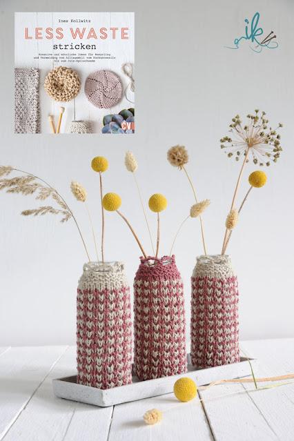 Less Waste stricken Vasen von Ines Kollwitz
