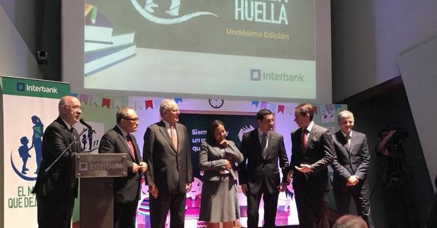 Profesora de Apurímac gana concurso el Maestro que deja Huella 2017 - www.maestroquedejahuella.com.pe
