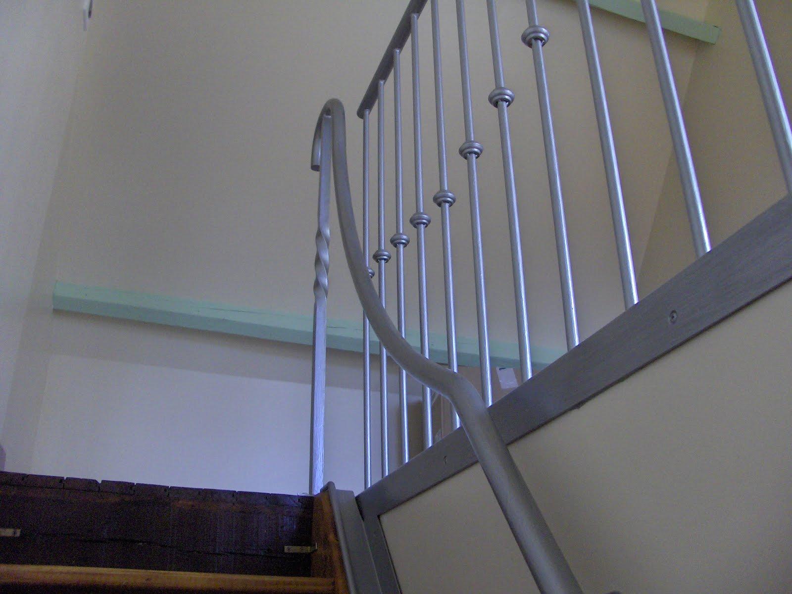 Peindre Un Escalier En Gris toutfer36: rampe d'escalier peinture gris martelé poteau torsadé