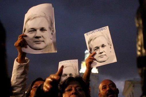 ONU aboga porque Assange salga de embajada sin ser detenido