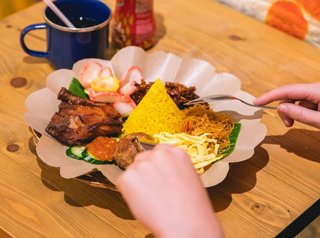 Du lịch singapore giá bao nhiêu: Tok Tok Indonesia Soup House