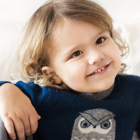 Prince Alexander wearing a blue sweater by Jacadi Paris. Jacadi Paris cashmere owl sweater. Prince Carl Philip and Princess Sofia