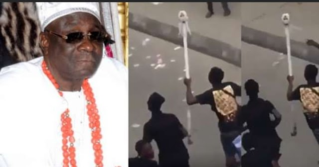 #LekkiMassacre: Hoodlums attack palace of the Oba of Lagos, steals his staff of office (Video)