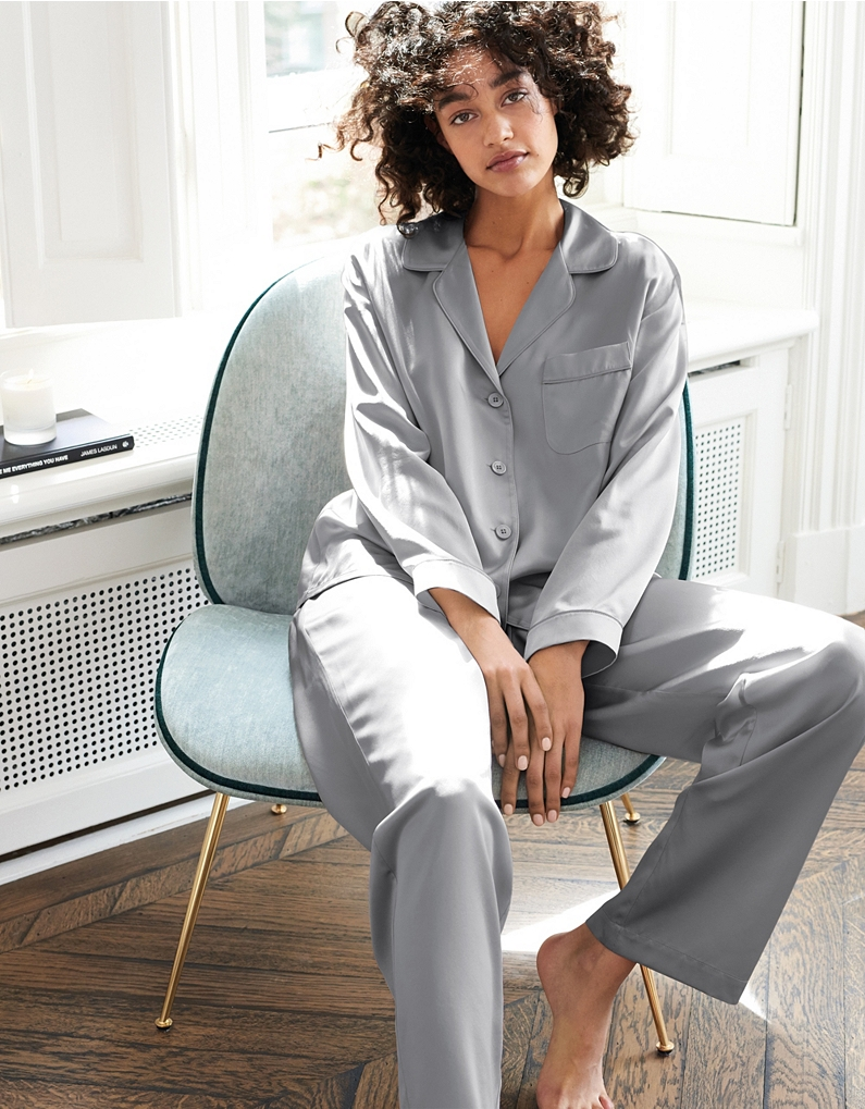 9ace4d951d8a98 In their luxurious silk-satin finish, this elegant pyjama set feels  wonderful against the skin. We've added neat grey piping to give it a  really classic ...