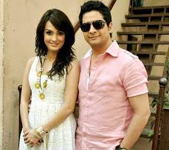 Karan Mehra Family Wife Son Daughter Father Mother Age Height Biography Profile Wedding Photos