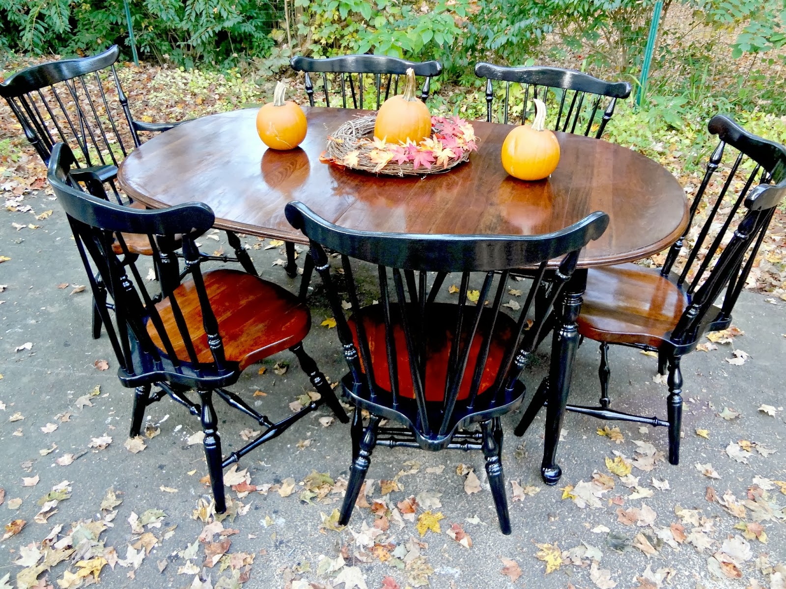 Heir And Space A Traditional Ethan Allen Dining Set
