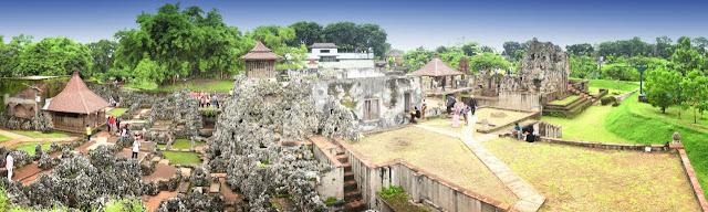 Cewek Seksi Dilarang ke Goa Sunyaragi Cirebon