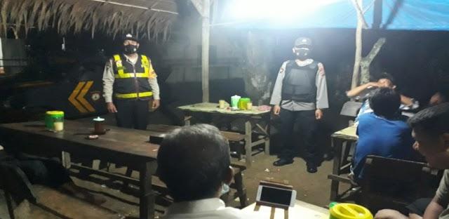 Patroli Polsek Padang Hilir Ikuti Aturan Prokes 5 M