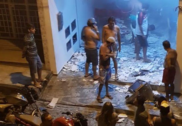 Em ação continua, bandidos explodem agência bancária e lotérica em Nazarezinho-PB