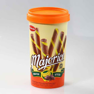 Wafer majorico ini memiliki 3 macam rasa yang berbeda serta memiliki kemasan yang terbilang unik. Salah satu rasa majorico yang terbilang enak adalah majorico wafer stick rasa krim pisang coklat. Ada juga majorico rasa susu vanila serta majorico rasa cream coklat.