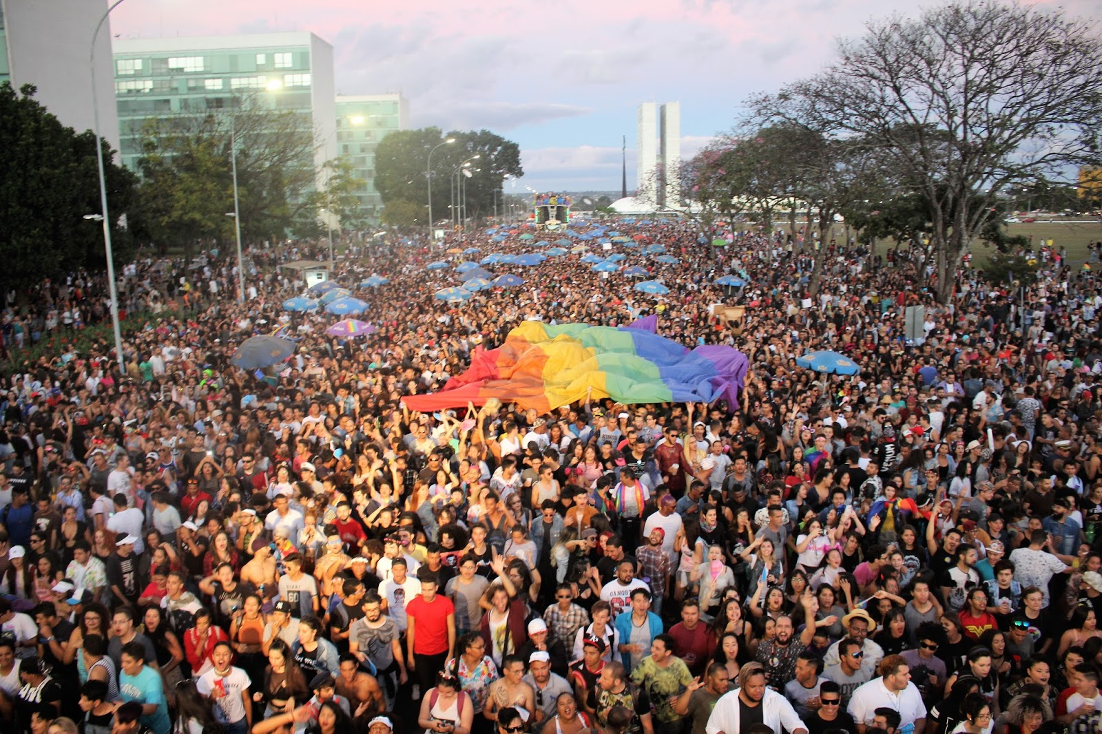 Parada LGBTS de Brasília se amplia, vira festival e anuncia data