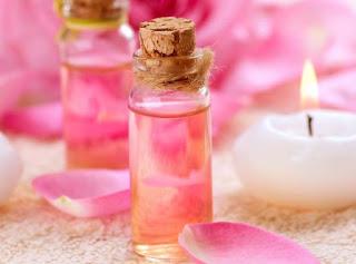Apa sih Air Mawar itu, Manfaat dan Kegunaan, Efek Samping, Serta Harganya