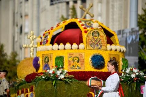 Debrecenben 18 virágkocsi lesz látható a felvonuláson