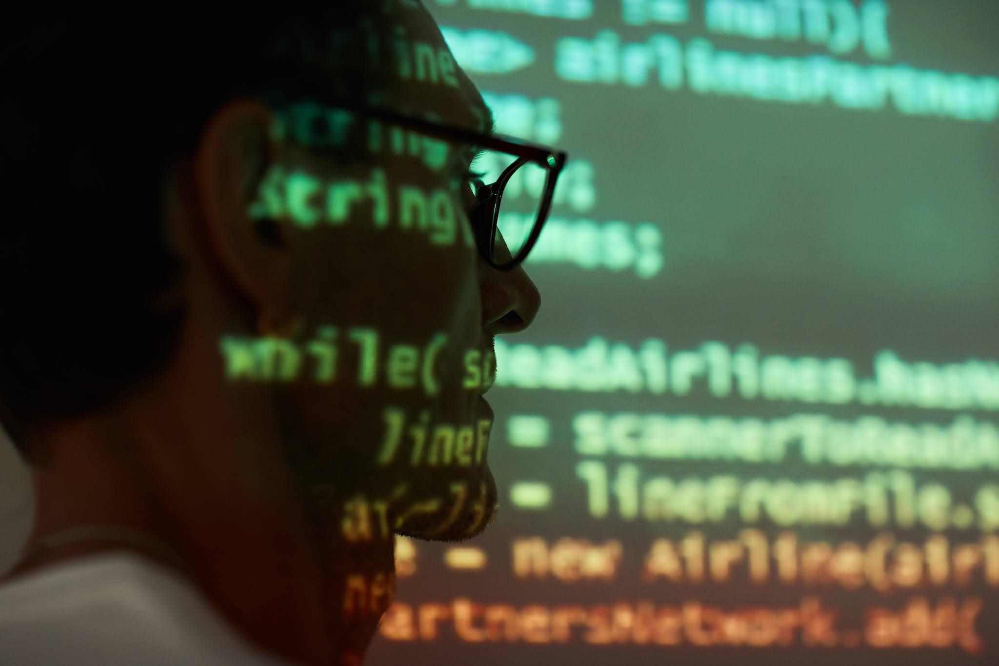 البرمجة والتكنولوجيا technology أدوات بناء المستقبل الأساسية