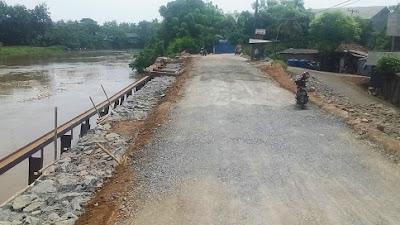 Jalan Akibat Longsor di Desa Tanjung Burung Sudah Bisa Lintasi