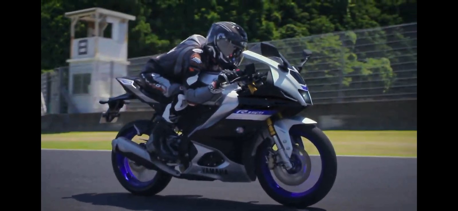 Yamaha YZF-R15,Yamaha YZF-R15 V4,2022 Yamaha YZF-R15 V4,YZF-R15M,2022 YZF-R15M,Yamaha R15M, yamaha R15V4, 2022 Yamaha R15V4, 2022 Yamaha R15M,