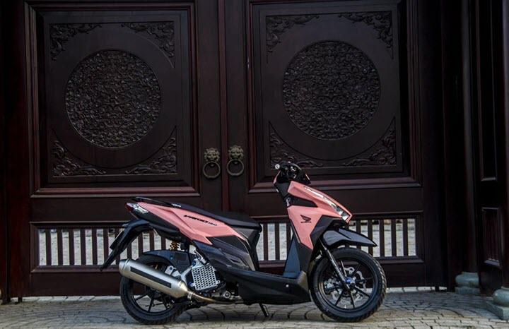 Chiêm ngưỡng từng chi tiết Honda Vario 150 độ tông hồng độc đáo