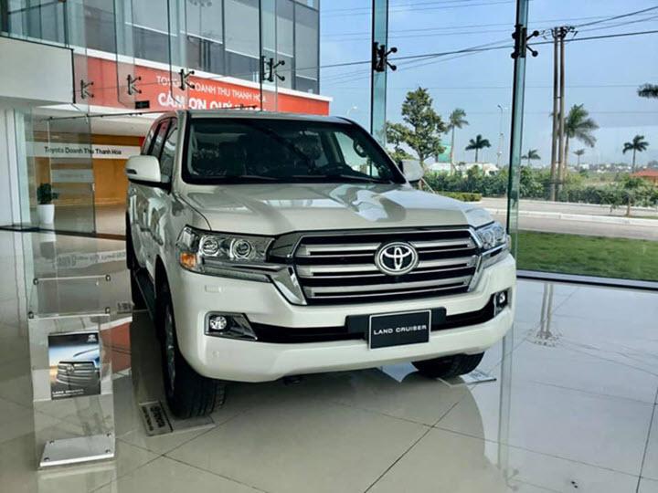 Toyota Land Cruiser 2020 chính hãng giá hơn 4 tỉ đồng tại Việt Nam