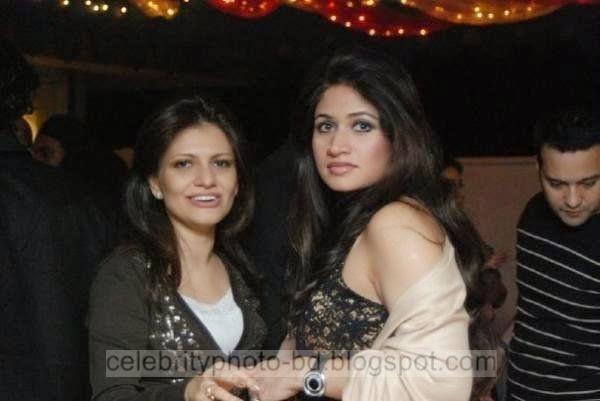 Rubaba Dowla Matin Hot Airtel facebook Queen In BD