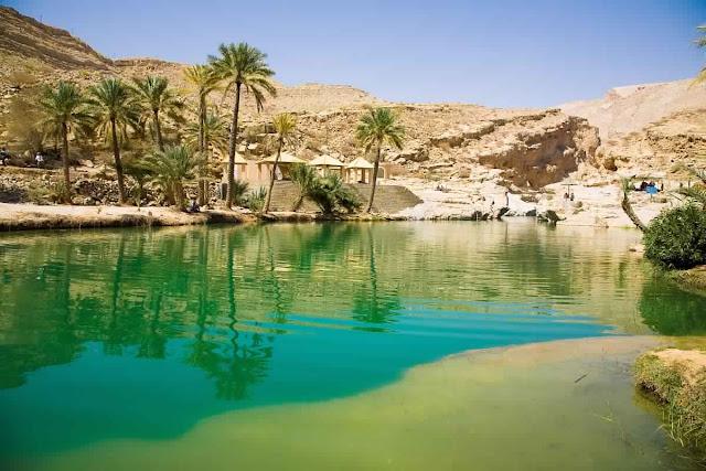 واحة وادي بني خالد بعمان