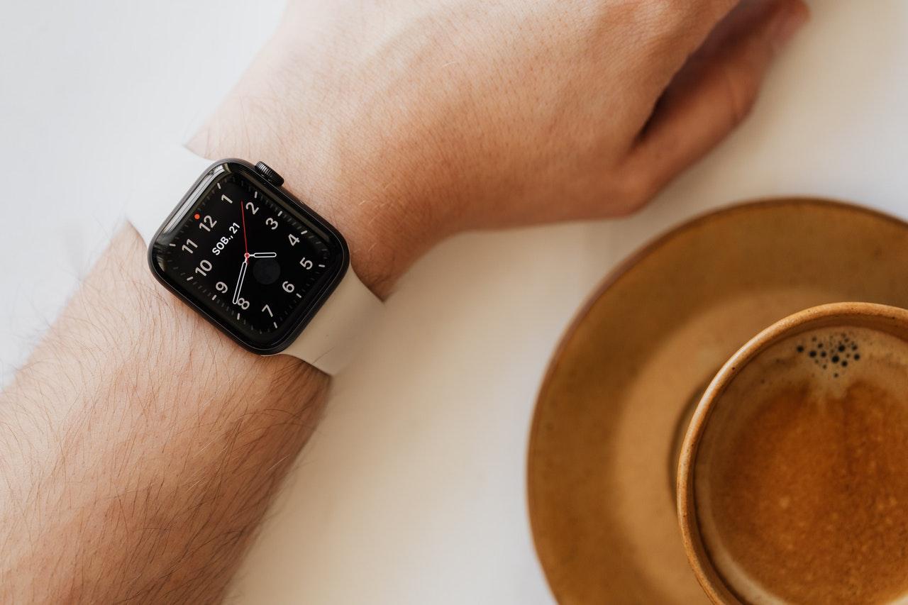 Top 8 Best Smartwatches Under $50 in 2021