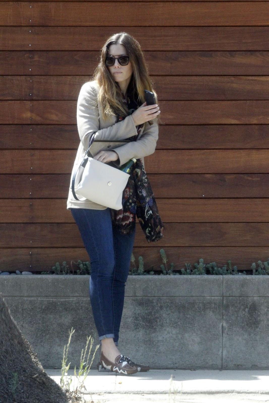Jessica Biel Out In Venice Beach