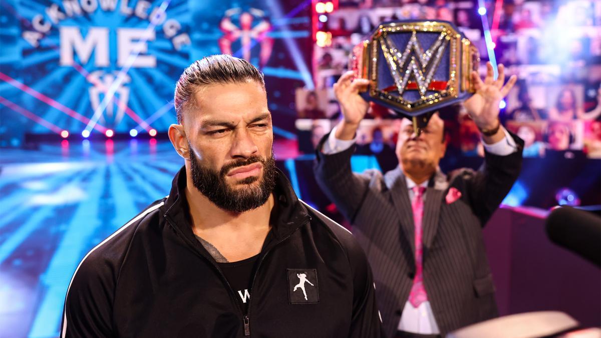 Booker T diz que Roman Reigns está sofrendo com a falta de desafiantes