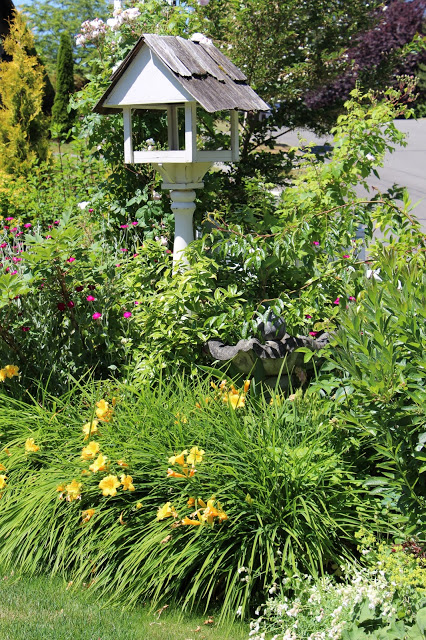 Fishtail Cottage- Summer Garden Tour-Treasure Hunt Thursday- From My Front Porch To Yours