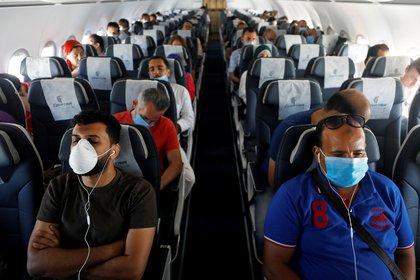 EEUU:Mujer de 30 años murió por coronavirus en avión